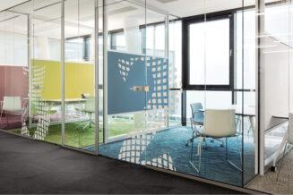 Szklane ściany: zastosowanie szklanych ścian w aranżacji wnętrz