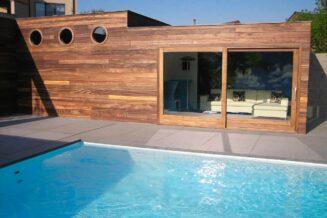 Jak dbać o czystość wody w basenie?