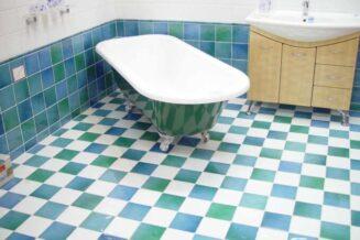 Malowanie płytek w łazience – praktyczne rady