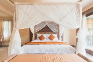 10 sposobów na szybkie udekorowanie sypialni